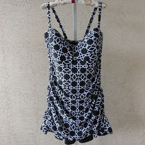 Black & White Printed Convertible Swimdress NWOT
